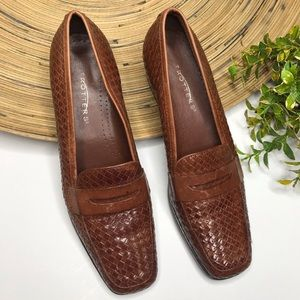 Trotters woven leather heeled loafer